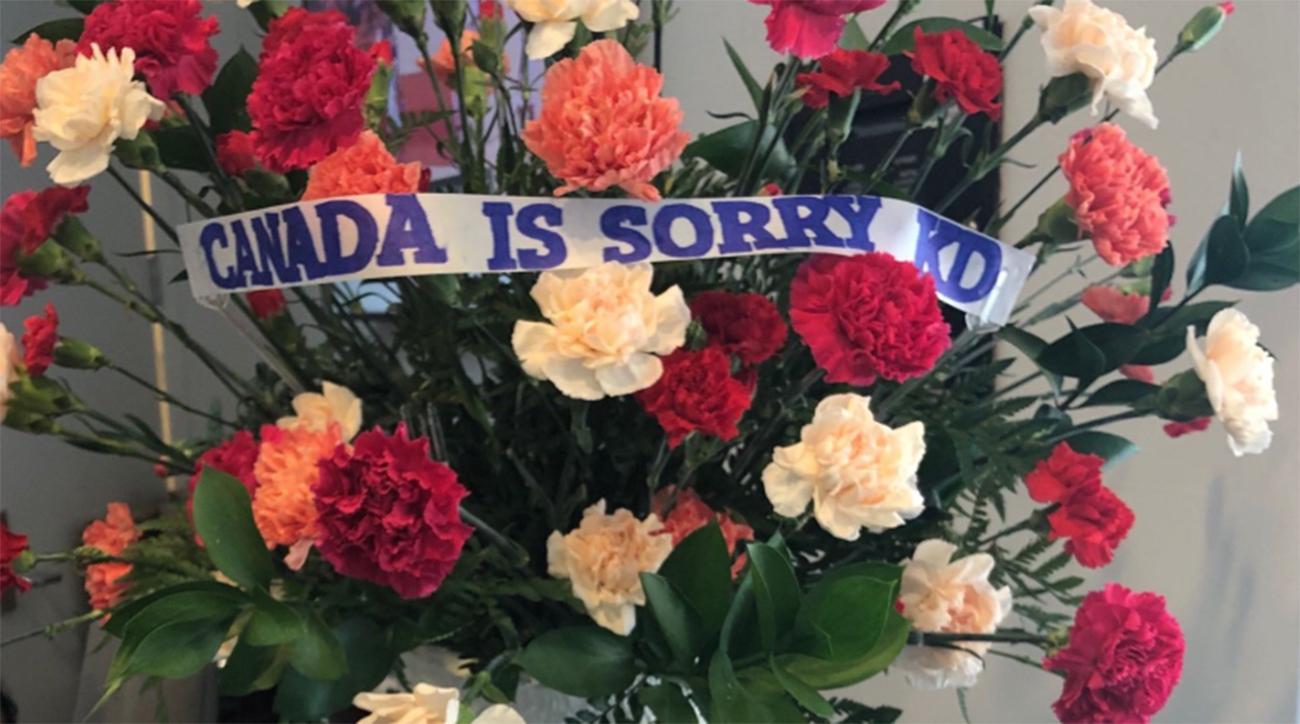 kevin-durant-apology-flowers-raptors-fan