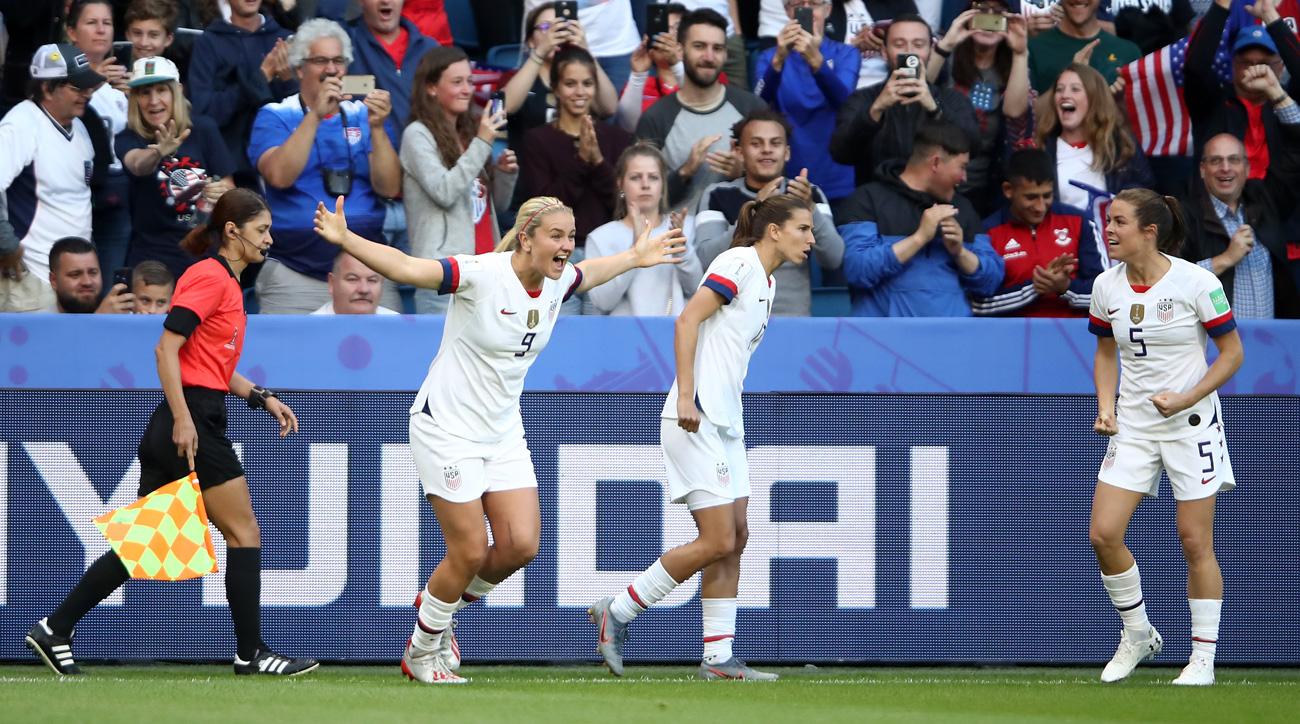 Lindsey Horan scores for the USA vs. Sweden