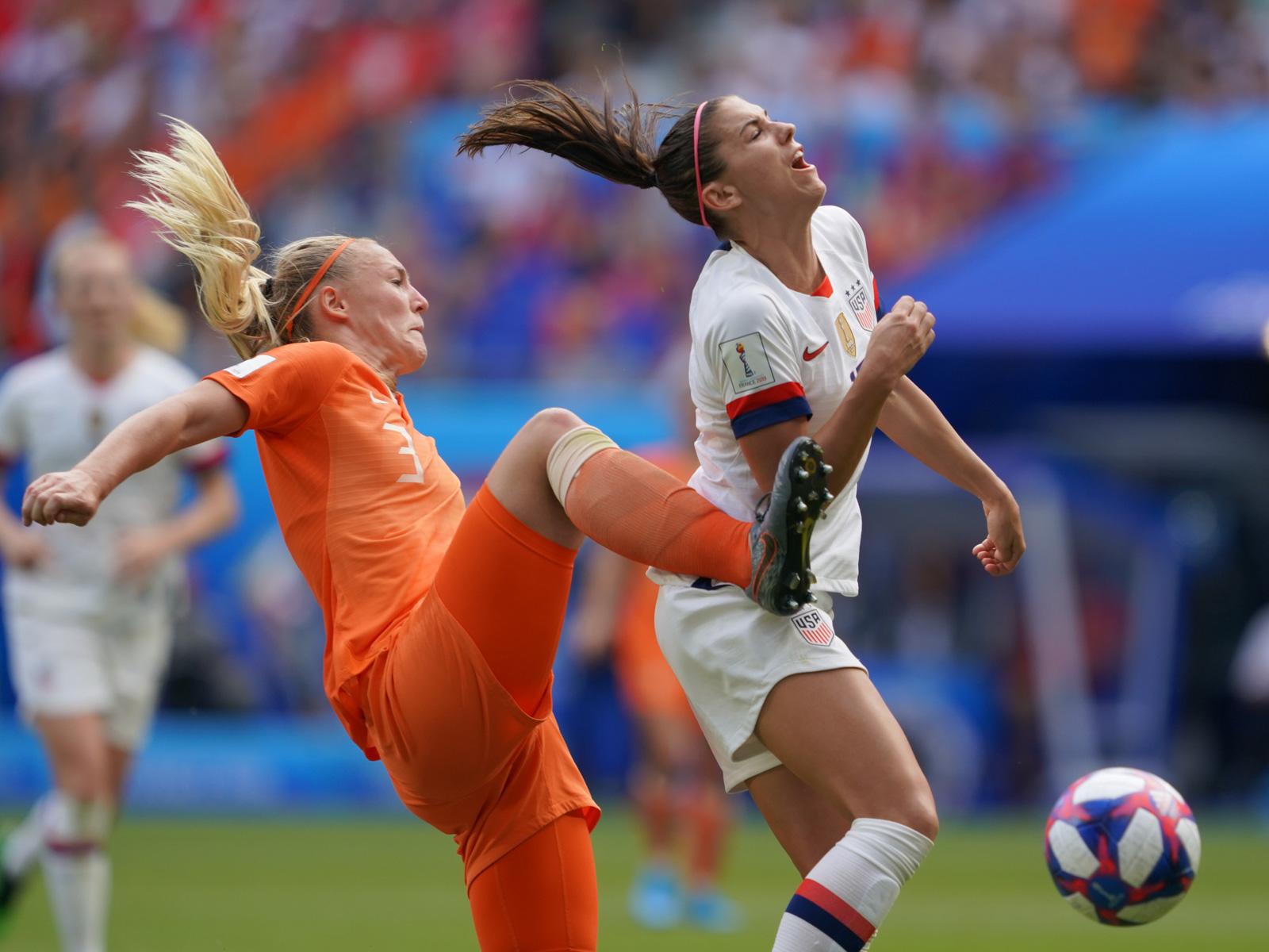Stefane van der Gragt fouls Alex Morgan in the Women's World Cup final