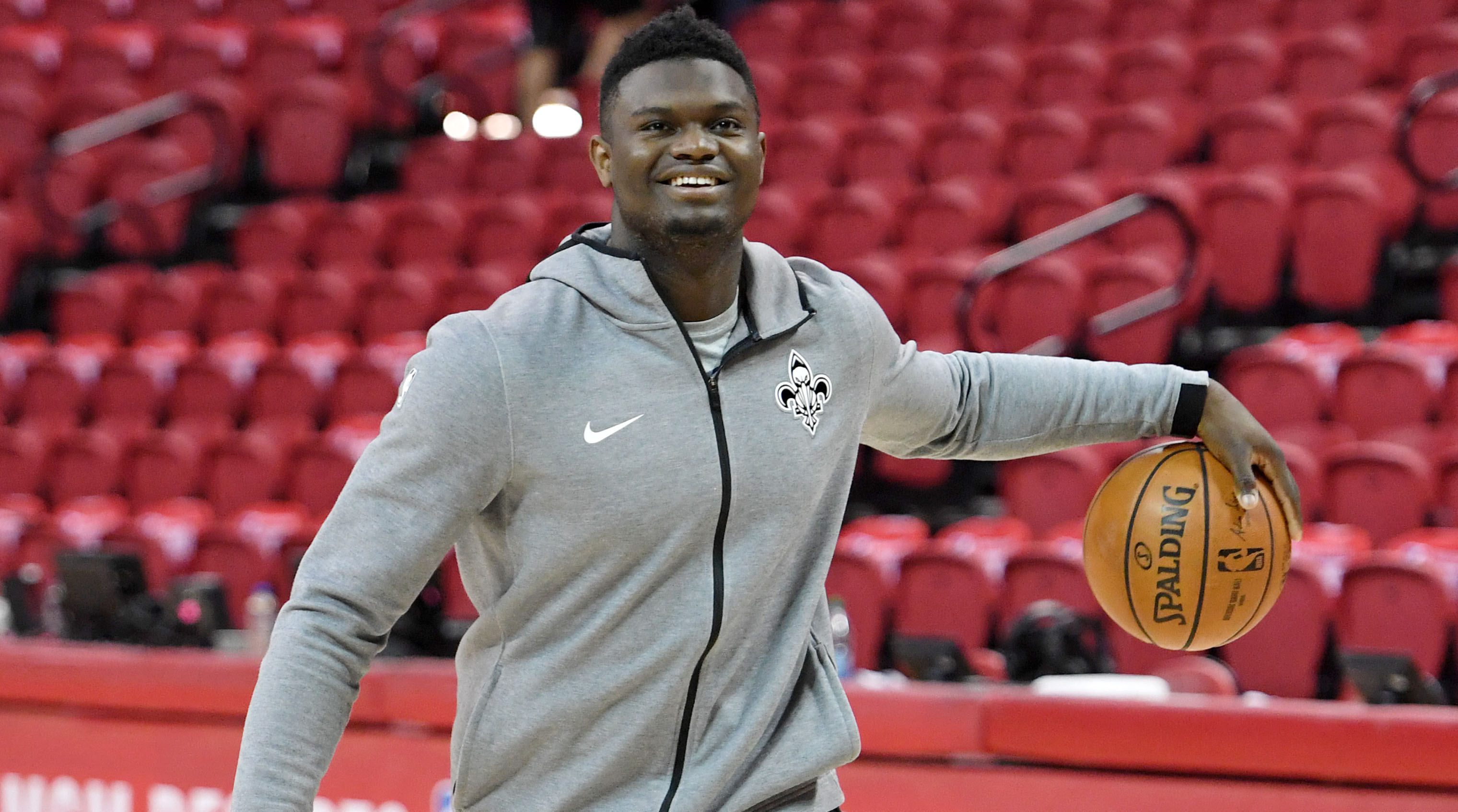 Zion Williamson drains three-pointer from Pelicans bench