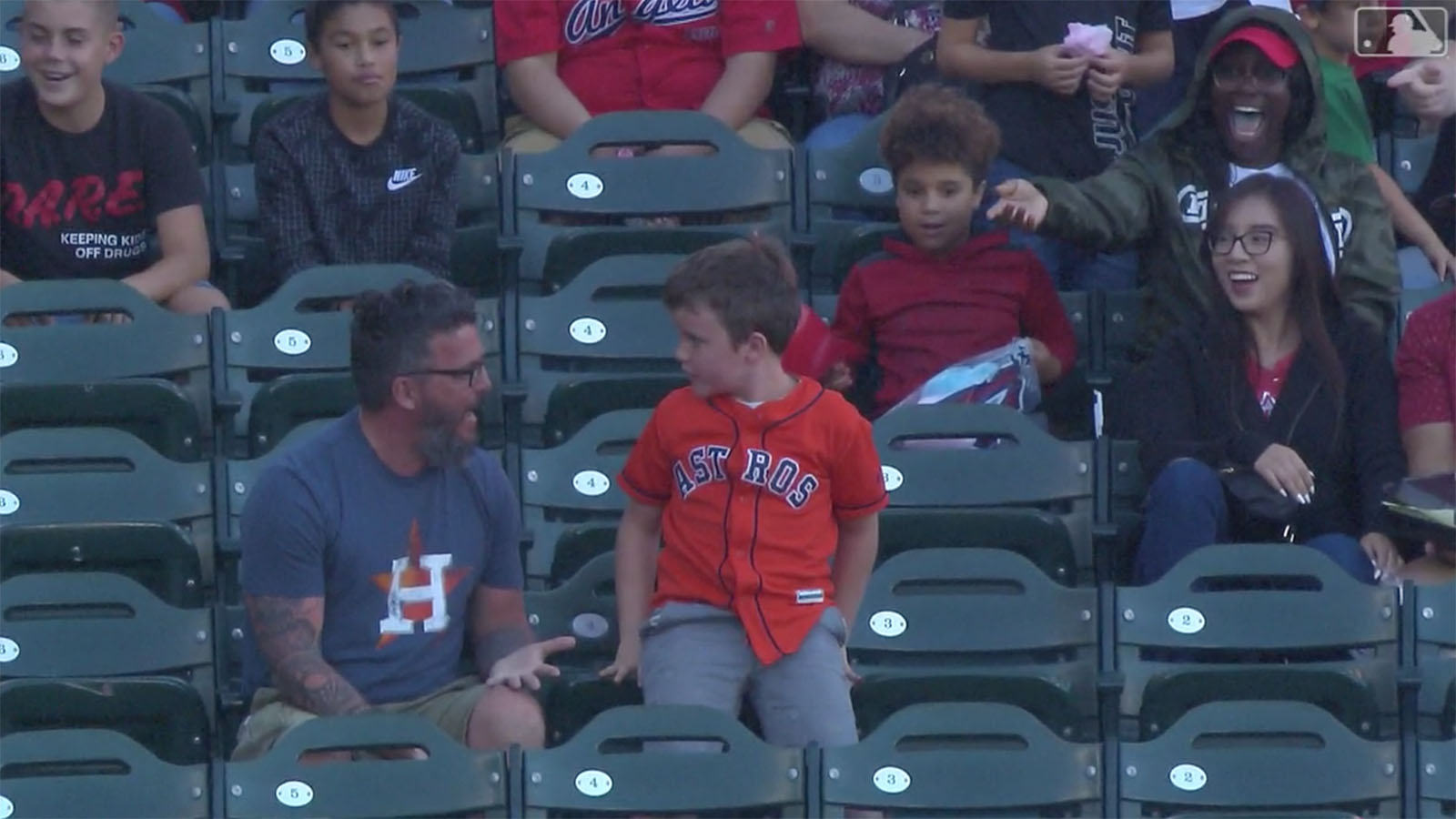 Astros-Angels: Kid throws Alex Bregman homer back (video)