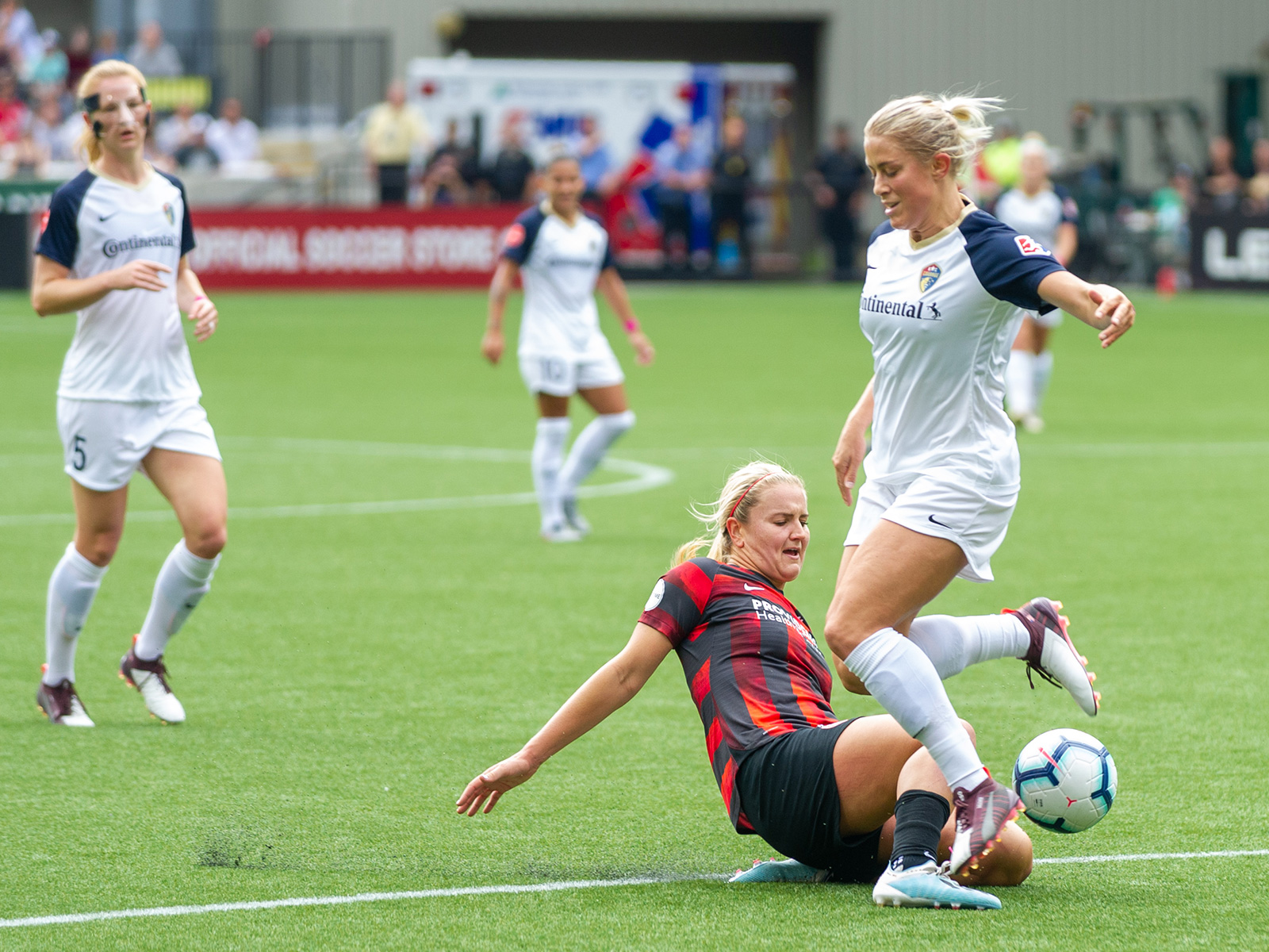 The Portland Thorns and NC Courage are in the race for the NWSL Shield