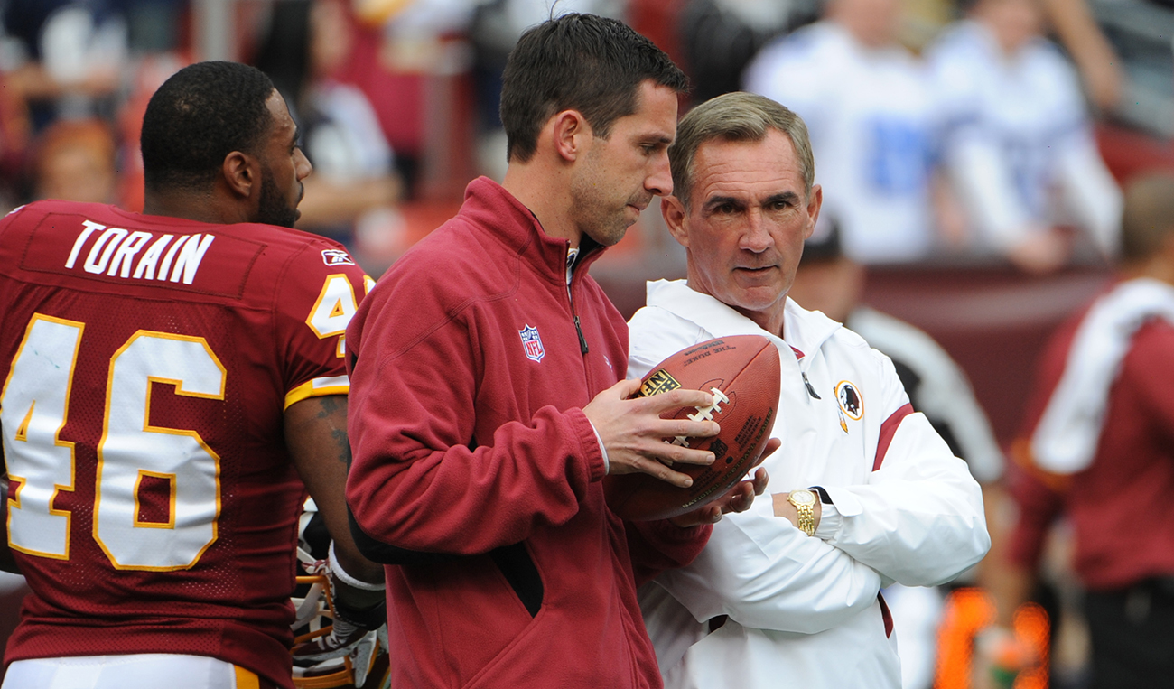 Mike and Kyle Shanahan as father-son coaching combo