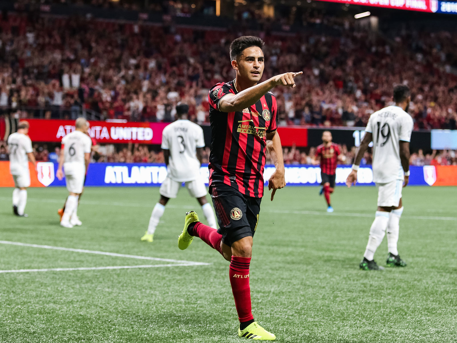 Pity Martinez scores in the U.S. Open Cup final