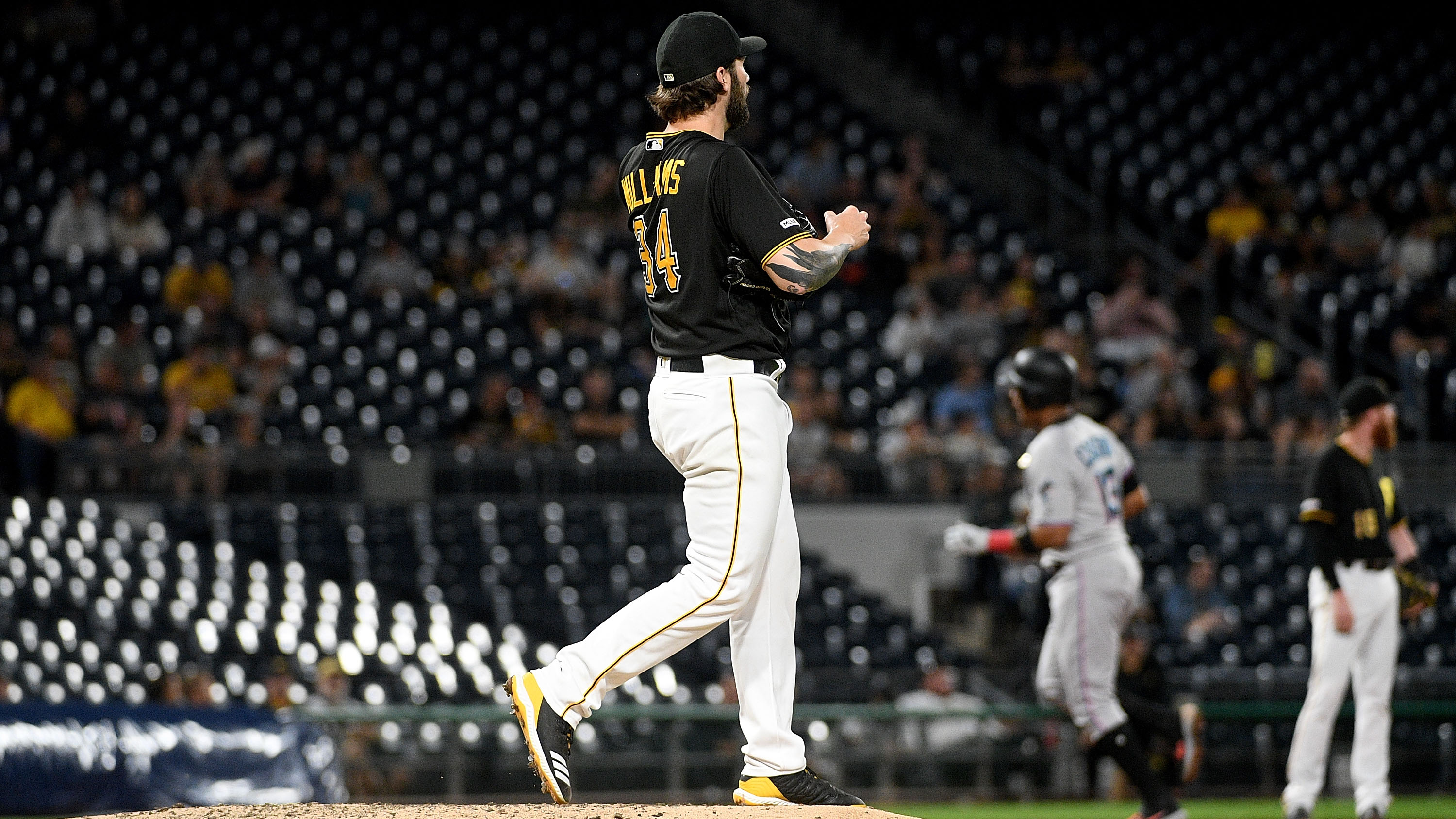 Pirates-Marlins: Attendance at PNC Park embarrassing (photos)