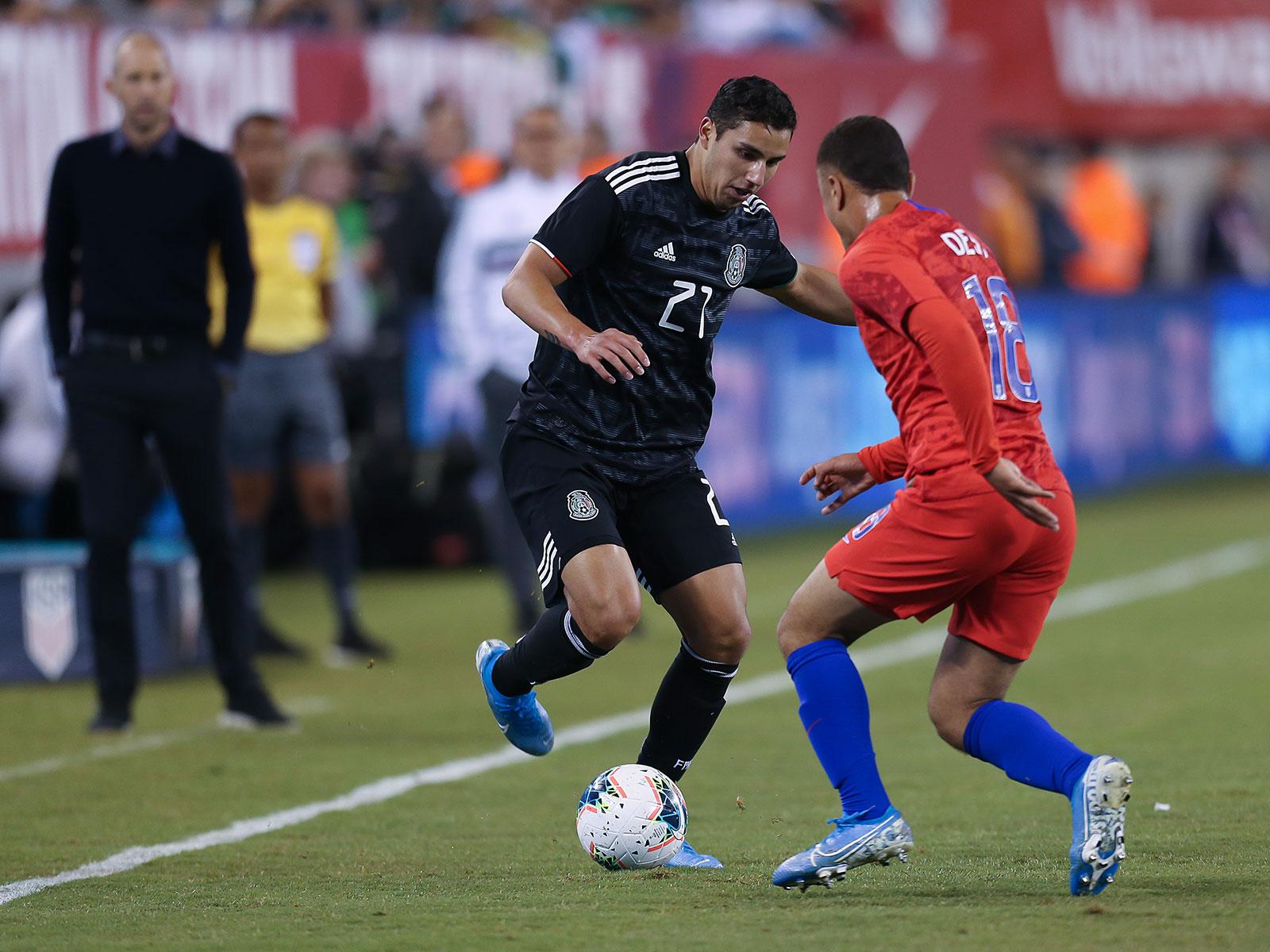 Sergino Dest struggled at left back vs. Mexico