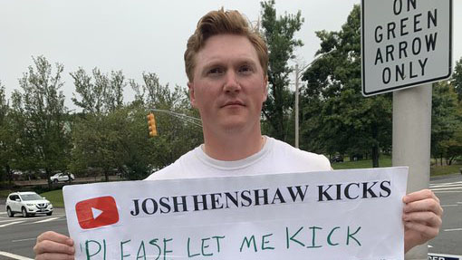 Josh Henshaw: Fan asks Jets for kicking tryout outside stadium