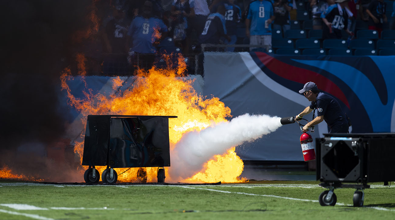 Fire erupts at Titans game