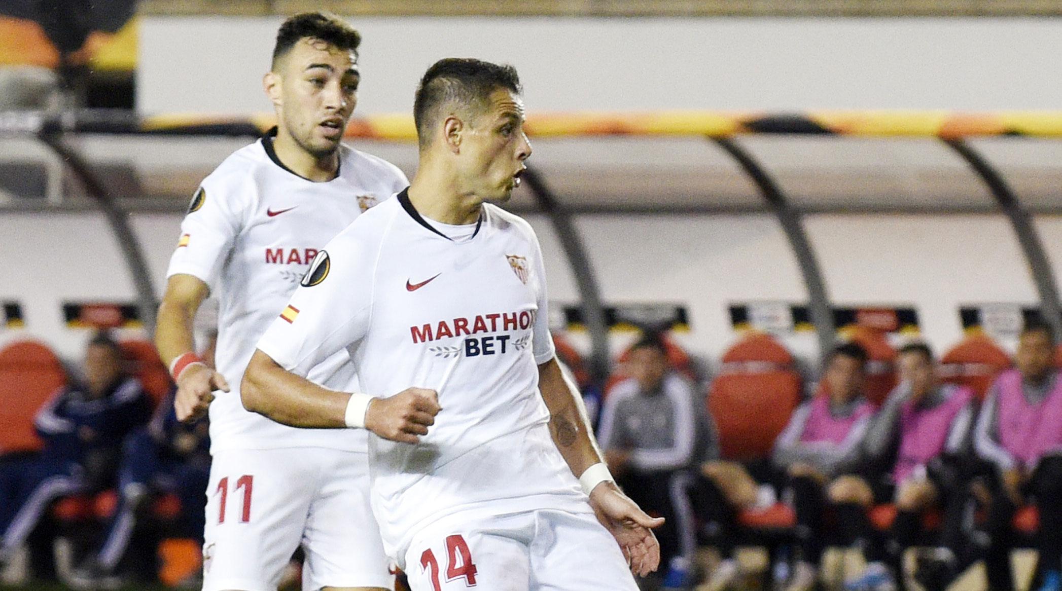 Chicharito scores for Sevilla