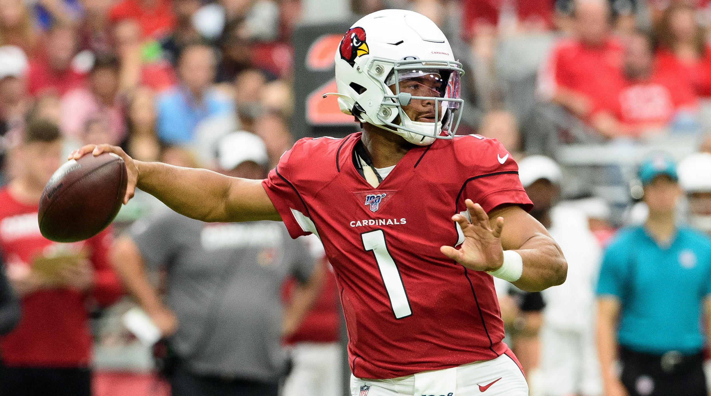 Kyler Murray throwing the football for the Cardinals.