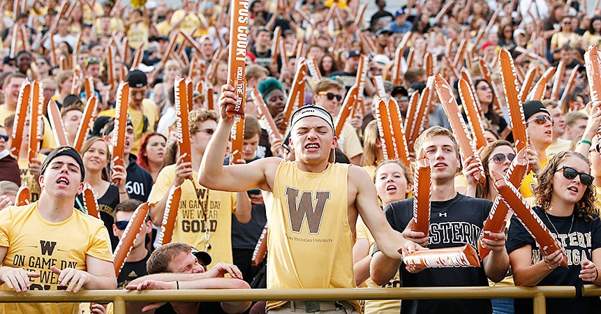 The moon shot: P.J. Fleck rowed Western Michigan into a mid-major power and transformed a town. Now will he stay?