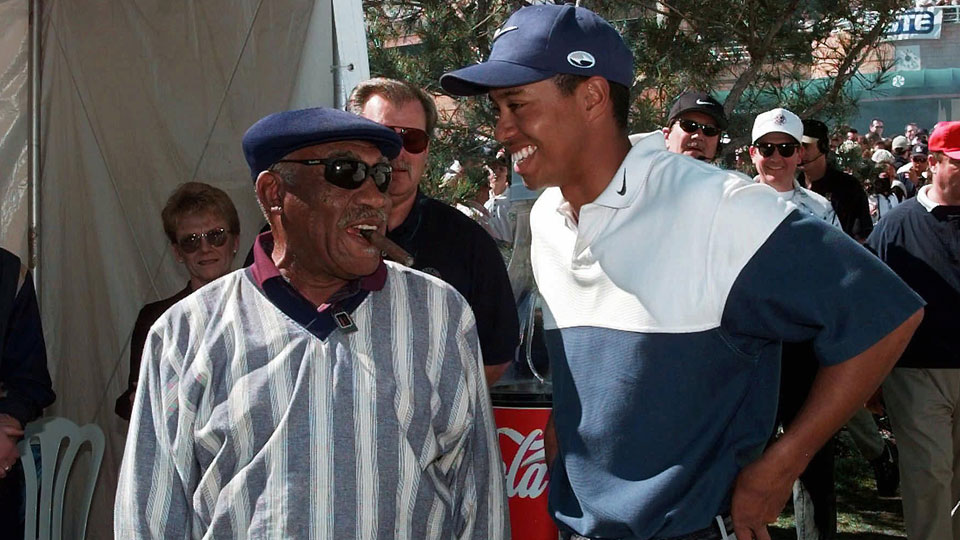 Charlie Sifford and Tiger Woods speak during the 1998 Nissan Open.