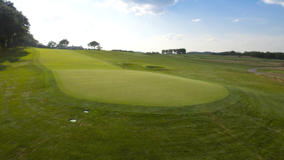 The par-4 first hole is one of the most difficult starting holes in all of golf.