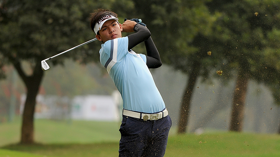Phachara Khongwatmai of Thailand plays a shot during round three of the 2016 Bashundhara Bangladesh Open.