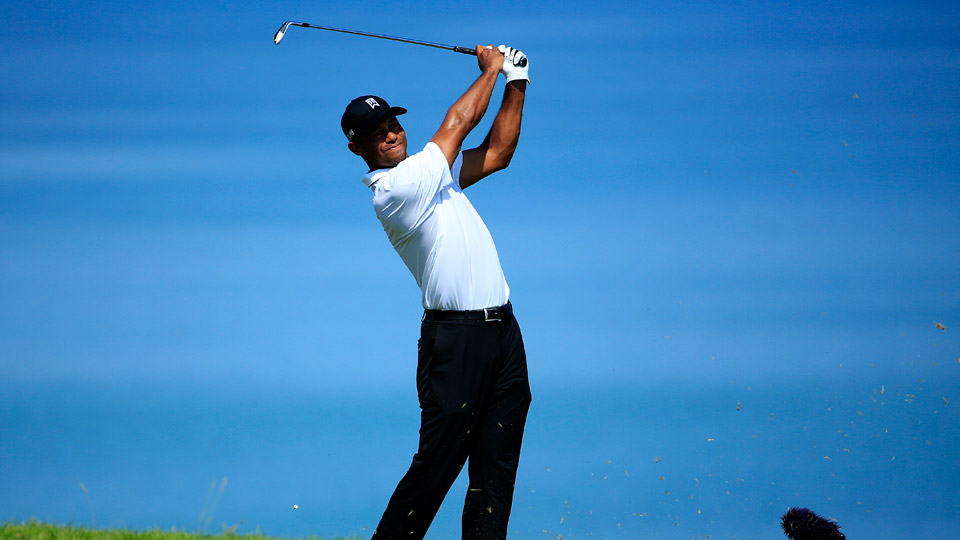Tiger Woods tees off in the 2015 PGA Championship at Whistling Straits.