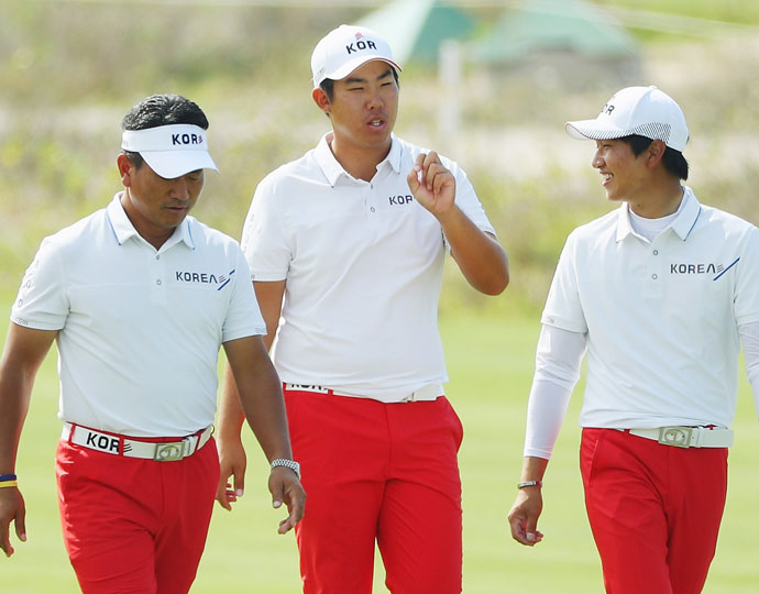 South Korea's team leader K.J. Choi (left), Byeong-Hun An (middle) and Jeung-hun Wang (right)