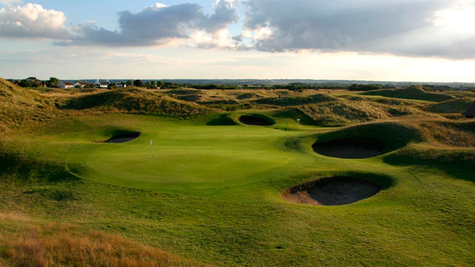 Travelers can play three of the region's top championship courses, including Royal St. George's.