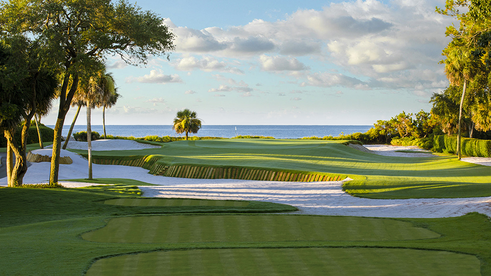 Hilton Head of the Class: the signature par-3 15th at Atlantic Dunes.