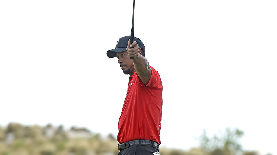 Tiger Woods reacts to a missed putt on the third hole during the final round of the Hero World Challenge.