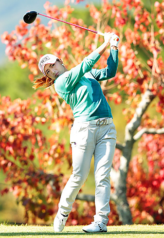 Lee Bo-mee shot an 8-under 64 on Saturday.