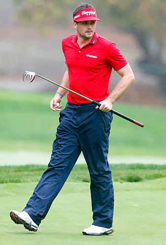 Keegan Bradley finished second at the World Challenge despite getting heckled for using a belly putter.