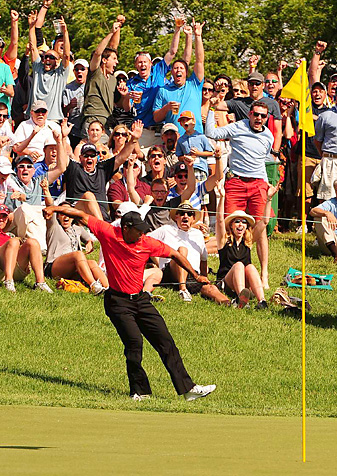 Tiger Woods punctuated his dramatic chip-in on No. 16 with a classic fist-pump.