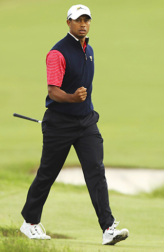 Tiger Woods defeated Aaron Baddeley in Sunday singles and finished 2-3 for the week.