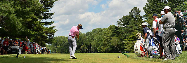 Luke Donald made five bogeys in six holes on Friday, but still shot a 72 to remain in contention at Merion.