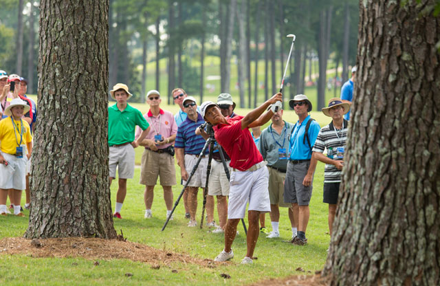 Gunn Yang advanced to the US Amateur quarterfinals with a 1-up victory over Ollie Schniederjans.