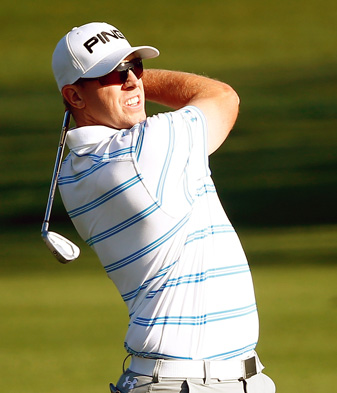 Hunter Mahan walked off the course one hole into Sunday's final round.