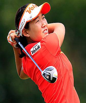 The 24-year-old South Korean dropped four birdies on the back nine to steal the lead from Brittany Lang.