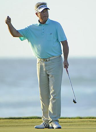 John Cook closed with a 5-under-67 at Hualalai Golf Club