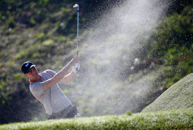 Martin Kaymer watches his bunker shot on the sixth hole during the second round of the Players.