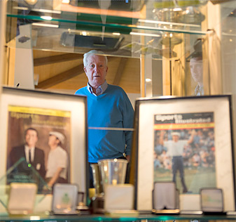 """Ken Venturi's memorabilia includes two framed Sports Illustrated covers. <a href=""""http://www.golf.com/photos/ken-venturi-hall-fame-memorabilia/ken-venturi-sports-illustrated-covers""""><strong> See more of Venturi's collection here.</a></strong>"""