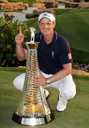 Luke Donald shot a final-round 66 to clinch the European Tour money title.