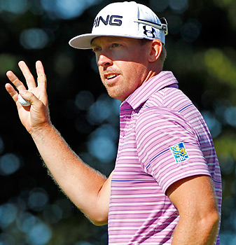 Hunter Mahan announced the birth of his daughter Sunday, a day after he withdrew from the Canadian Open.