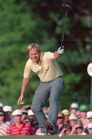 Jack Nicklaus made this birdie putt on the 17th hole to take the lead on Sunday.