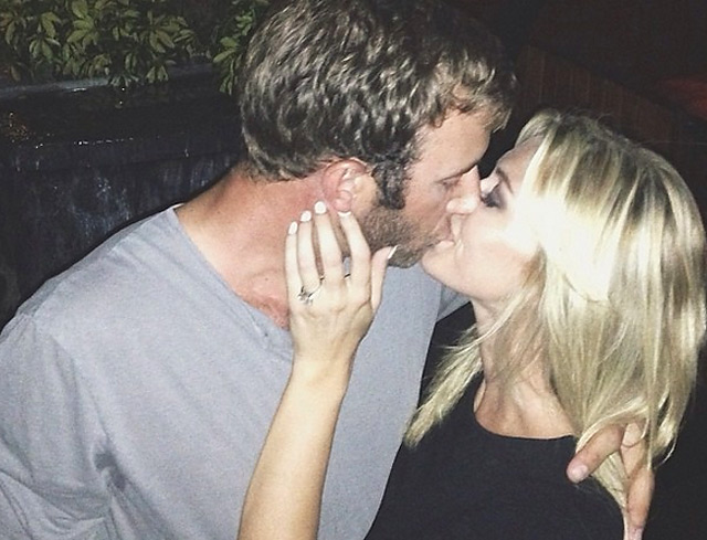 Dustin Johnson and Paulina Gretzky announced their engagement on social media.