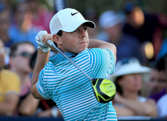 Rory McIlroy is two shots behind leader Henrik Stenson (-10) after the second round of the World Tour Championship.