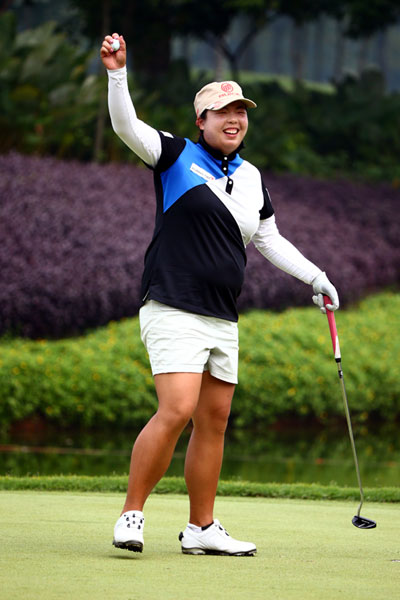 Shanshan Feng Rallies Past Pornanong Phatlum To Win Lpga