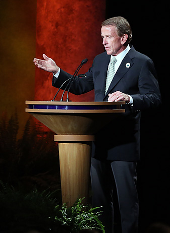 Tim Finchem speaks at the most recent World Golf Hall of Fame induction ceremony in 2013.