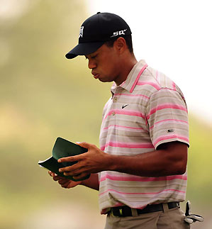 Once again, Tiger Woods failed to figure out Augusta's greens.