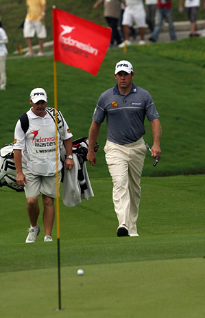 Lee Westwood shot another six-under 66 to take a five-shot lead into the final round.