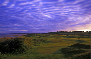 Lundin Golf Club, a world away from St.Andrews only in price.