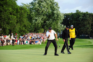 Garcia (opposite, right) had another major letdown after Harrington dropped his par putt at the 72nd hole.