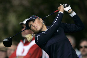 Natalie Gulbis made six birdies and two bogeys.