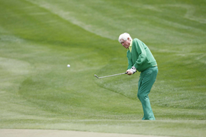 Doug Sanders is still a flashy dresser on the course.