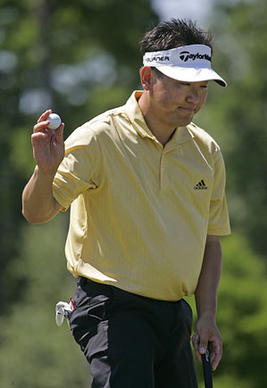 Charles Wi shot a six under 66.