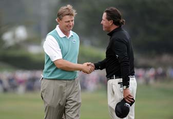 Ernie Els and Phil Mickelson in the final round of the 2010 U.S. Open at Pebble Beach.