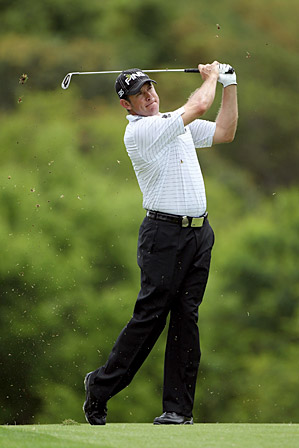 Westwood fired an eight-under 64 to overtake the lead in Sun City.